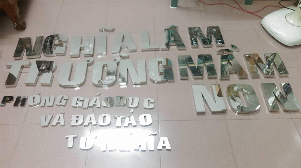 Làm bảng hiệu chữ nổi inox - chữ nổi Mica tại Quảng Ngãi
